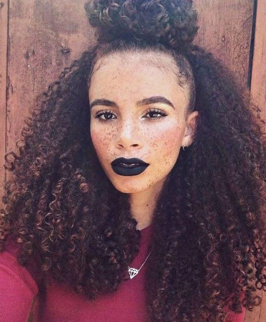 Curly_Chignon_2018